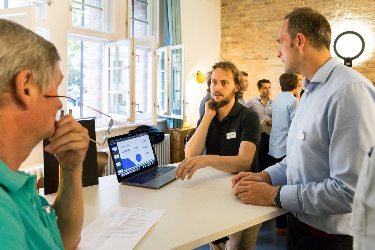 051 VBKI Netzwerken Start-Up-Pitch-Abend BF Inga Haar web?itok=15wAPbEO