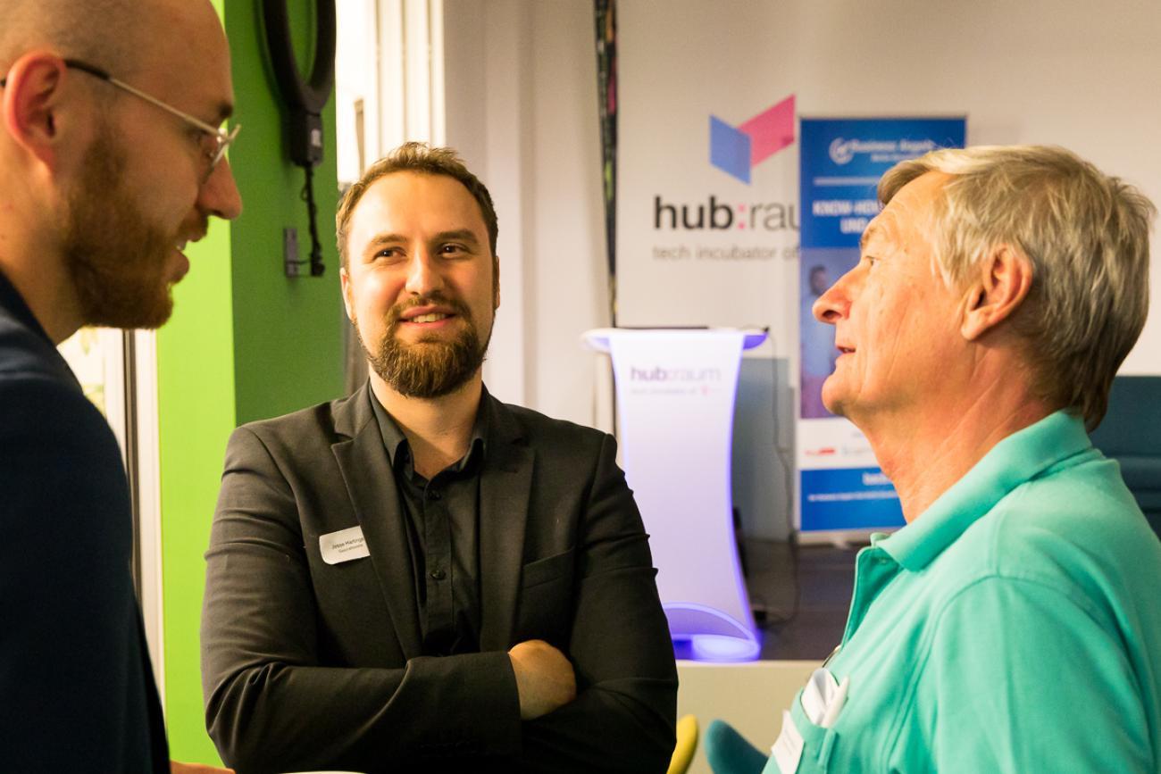 102 VBKI Netzwerken Start-Up-Pitch-Abend BF Inga Haar web?itok= XnrcGVo