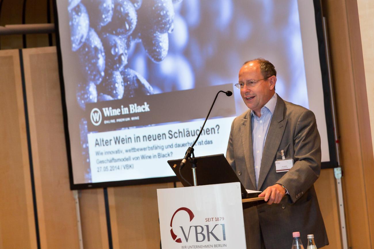 20140527 VBKI Unternehmertreffen Wine in Black 42 Inga Haar web?itok=8IBhnGyC