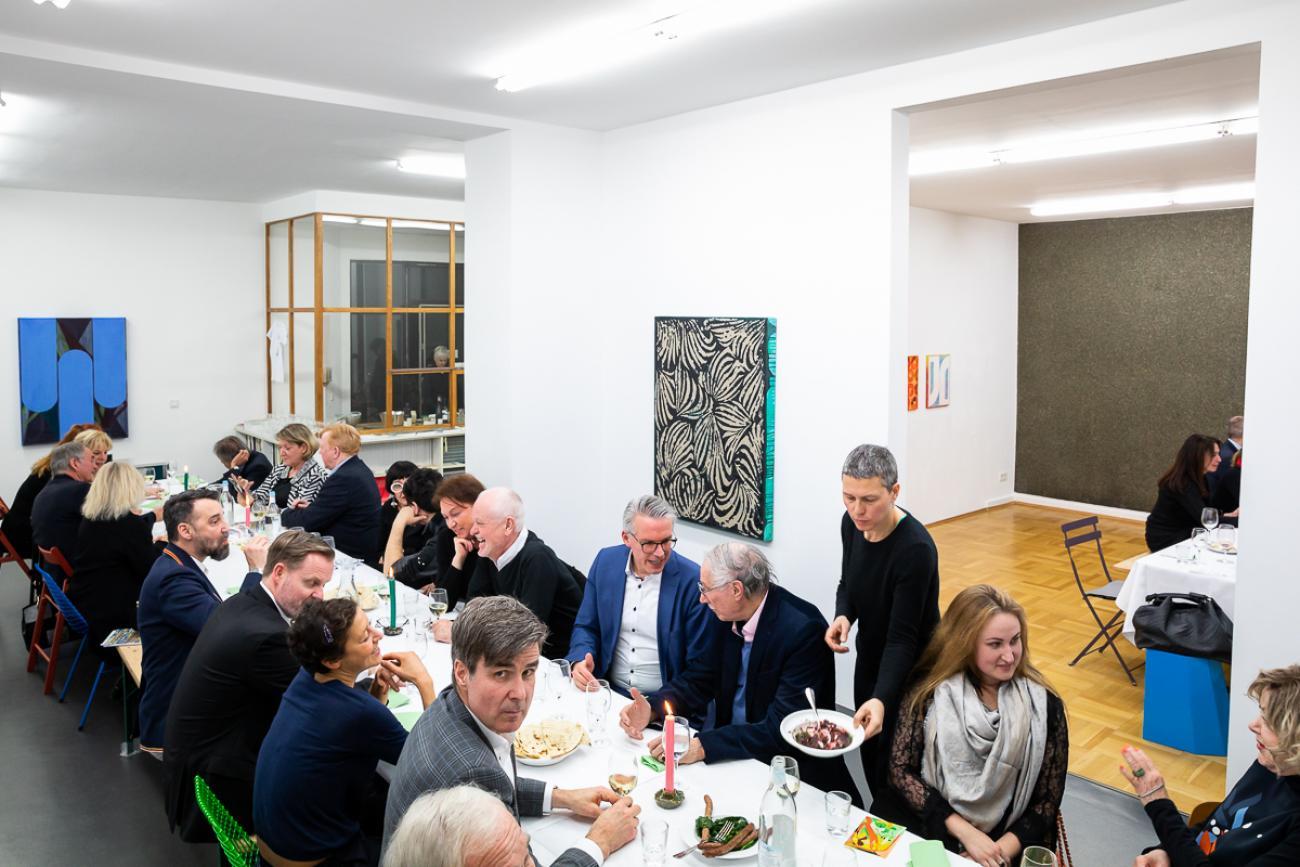 61 VBKI Galeriendinner Schwarz Contemporary BF Inga Haar web?itok=FfOHwvZr