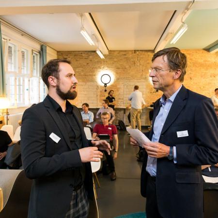 003 VBKI Netzwerken Start-Up-Pitch-Abend BF Inga Haar web?itok= 4-H3iiS