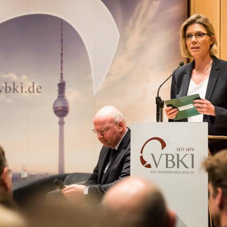 007 VBKI Politik u W Berliner Wohnungsmarkt BF Inga Haar web?itok=VvdCxMD5