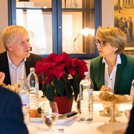 008 VBKI Foreign Policy Lunch Frankreich GER BF Inga Haar web?itok=AL5VqIRH