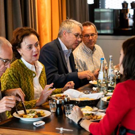 009 VBKI Unternehmertreffen Kitchen Stories BF Inga Haar web?itok=mIDXOlrr