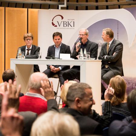 011 VBKI Politik u Wirtschaft Air-Infarkt BF Inga Haar web?itok=nKWaXQrD