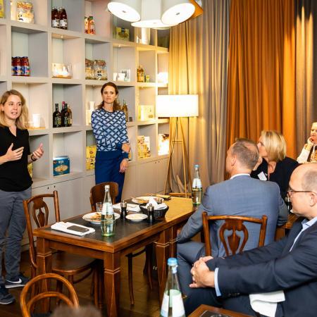 015 VBKI Unternehmertreffen Kitchen Stories BF Inga Haar web?itok=E7S98Z8t