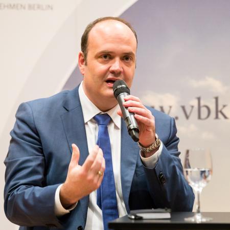 016 VBKI Politik u Wirtschaft Deutsche Politik BF Inga Haar web?itok=rVEcH9fl