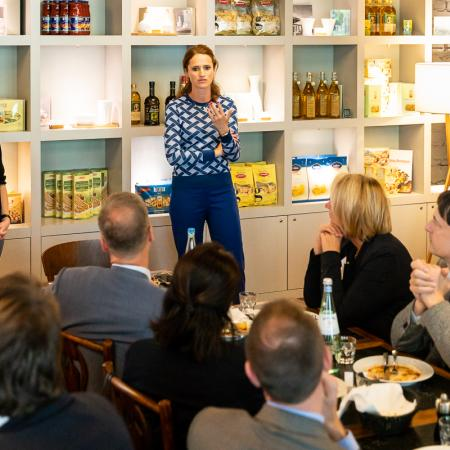 016 VBKI Unternehmertreffen Kitchen Stories BF Inga Haar web?itok=JMwyCUNq