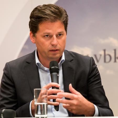 020 VBKI Politik u Wirtschaft Air-Infarkt BF Inga Haar web?itok=RrXkLCAb