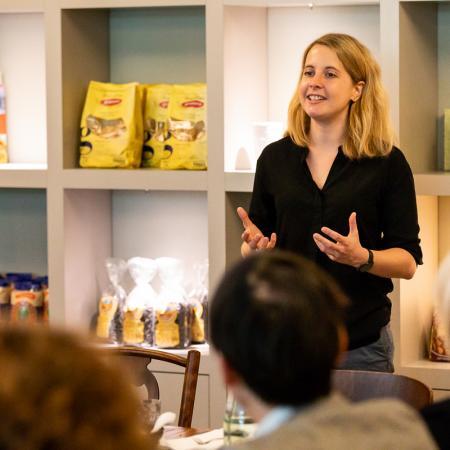 021 VBKI Unternehmertreffen Kitchen Stories BF Inga Haar web?itok=KBdEzoOM