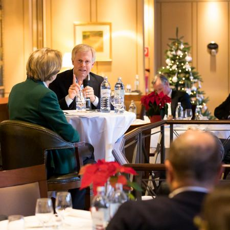 031 VBKI Foreign Policy Lunch Frankreich GER BF Inga Haar web?itok=DkmSPezl