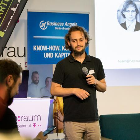 033 VBKI Netzwerken Start-Up-Pitch-Abend BF Inga Haar web?itok=9djYZB6P