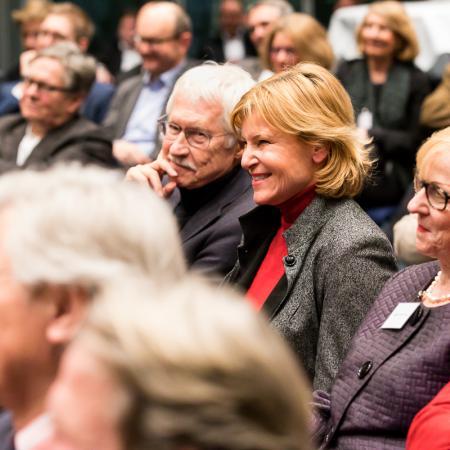 033 VBKI Politik u Wirtschaft Deutsche Politik BF Inga Haar web?itok=CDcgRS5J