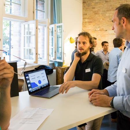 051 VBKI Netzwerken Start-Up-Pitch-Abend BF Inga Haar web?itok=6j0uut6Z