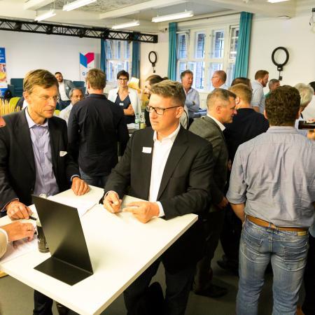 065 VBKI Netzwerken Start-Up-Pitch-Abend BF Inga Haar web?itok=p5sPxh8D