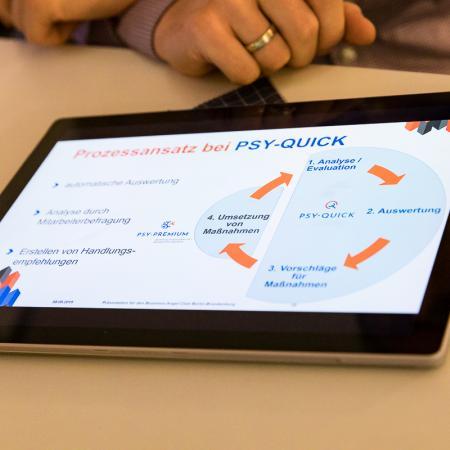 074 VBKI Netzwerken Start-Up-Pitch-Abend BF Inga Haar web?itok=O-Or 0os
