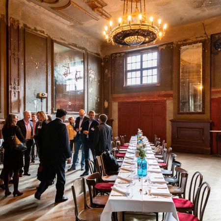 07 VBKI Business Lunch James von Klemperer BF Inga Haar web?itok=N7krkJbT