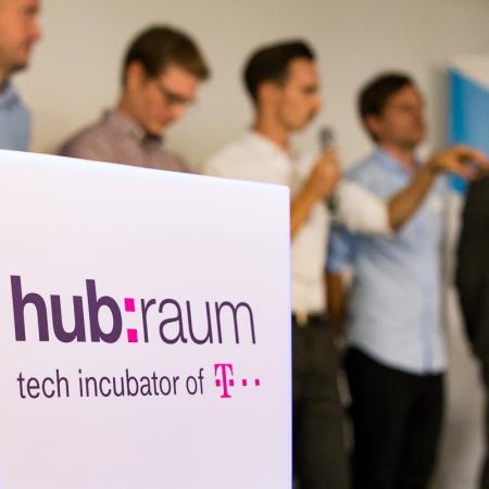 088 VBKI Netzwerken Start-Up-Pitch-Abend BF Inga Haar web?itok=cbeRPBej