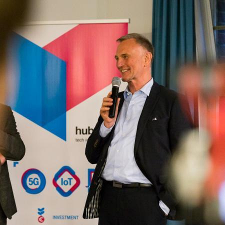 094 VBKI Netzwerken Start-Up-Pitch-Abend BF Inga Haar web?itok=kiGQK-7G