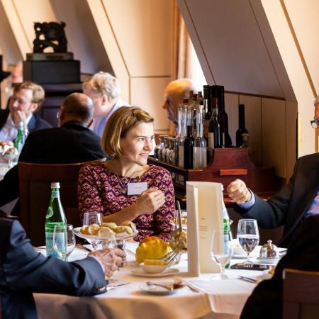 09 VBKI Foreign Policy Lunch Fluechtlingskrise BF Inga Haar web?itok=43VryQ7I