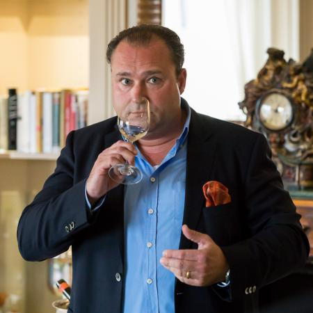 105 VBKI Netzwerken Weinverkostung Mosel web?itok=buSXYpQE