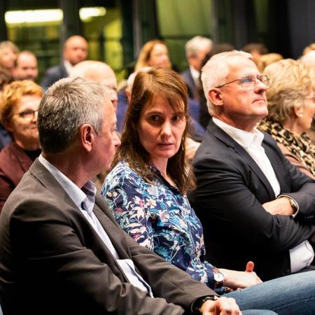 11 VBKI Politik u Wirtschaft Plastik BF Inga Haar web?itok=OHK2STxR