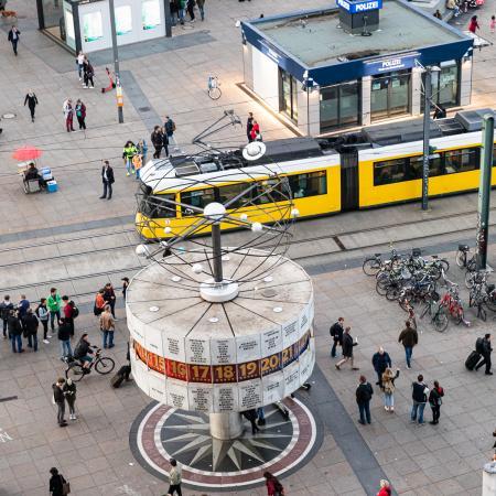 17 VBKI Politik u Wirtschaft Alexanderplatz BF Inga Haar web?itok=qGkwAYJa
