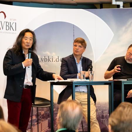 19 VBKI Arts and Politics Ai Weiwei and Lian Yang BF Inga Haar web?itok=Lle6RfQu