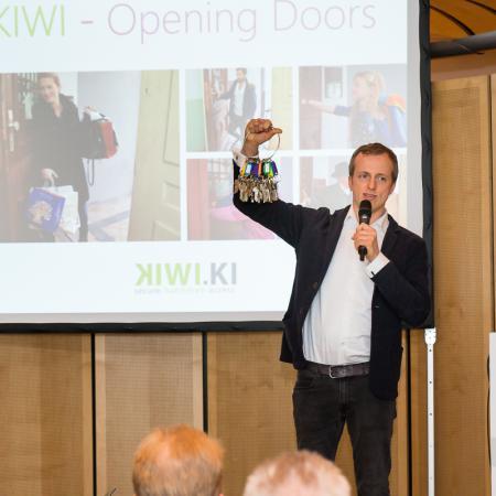 20150413 VBKI Unternehmertreffen KIWI KI 039 Inga Haar web?itok=rdXs6HuR