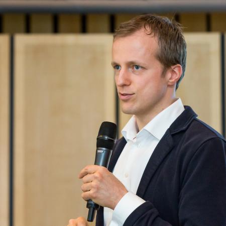 20150413 VBKI Unternehmertreffen KIWI KI 100 Inga Haar web?itok=4CLAP-Op