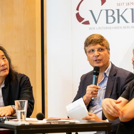 33 VBKI Arts and Politics Ai Weiwei and Lian Yang BF Inga Haar web?itok=iYGMYmEq