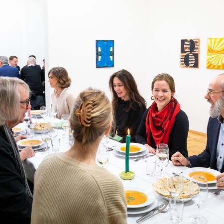33 VBKI Galeriendinner Schwarz Contemporary BF Inga Haar web?itok=vY6Kr6mh