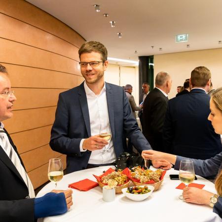 33 VBKI Politik u Wirtschaft Alexanderplatz BF Inga Haar web?itok=qMiW-0b1
