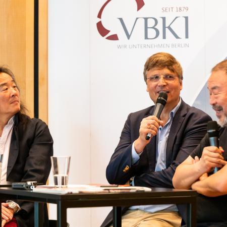 35 VBKI Arts and Politics Ai Weiwei and Lian Yang BF Inga Haar web?itok=SchaY-xe