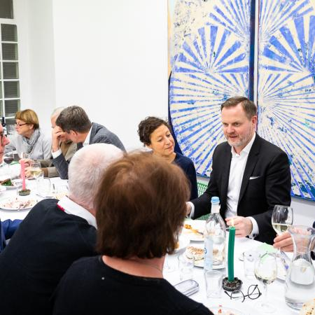 55 VBKI Galeriendinner Schwarz Contemporary BF Inga Haar web?itok=SxuBWhrU