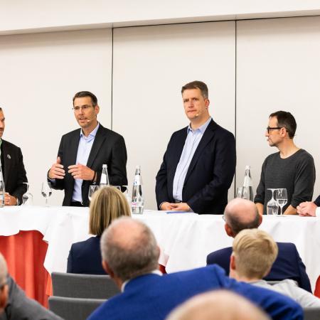 60 VBKI Politik u Wirtschaft Alexanderplatz BF Inga Haar web?itok=3Y6mhv4-
