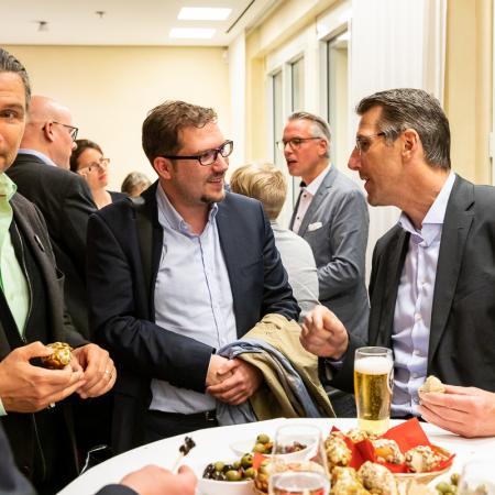 76 VBKI Politik u Wirtschaft Alexanderplatz BF Inga Haar web?itok=dCsCu6Cn