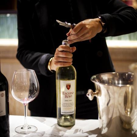 In vino veritas by Berlin Capital Club & VBKI Château Mouton Rothschild (18)?itok=MMwVjH h