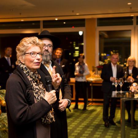 20161214 VBKI Members Lounge Ein Kosher-Abend 074 BF Inga Haar web?itok=fgbW e1k