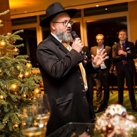20161214 VBKI Members Lounge Ein Kosher-Abend 081 BF Inga Haar web?itok=8zy7YozB