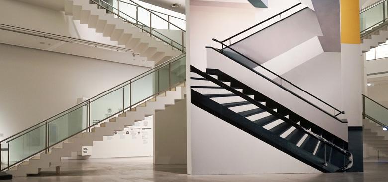 original bauhaus Presse Treppe gelb links copyright  Ausstellungsansicht original bauhaus, Installation von Renate Buser, Foto Catrin Schmitt 780x366?itok=HV083Wnv