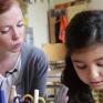 Gina Alajmo ist eine von mehr als 2000 Lese- und Lernpaten, die sich im Bürgernetzwerk Bildung ehrenamtlich engagieren.